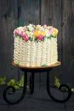 De lentecake op een tribune Royalty-vrije Stock Afbeelding