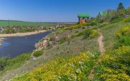 De lentelandschap met Sura-rivieroever dichtbij Dnipro-stad Royalty-vrije Stock Afbeelding