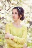 De lentemeisje in openlucht Stock Foto's