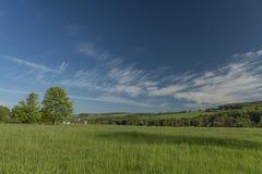 De lenteochtend in Varnsdorf-gebied Stock Fotografie