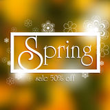 De lenteverkoop 50% weg, vage achtergrond en wit bloemenmandalaconcept Stock Afbeelding