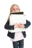 De leuke boeken van de meisjeholding die op wit worden geïsoleerdi Stock Foto