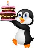 De leuke cake van de de holdingsverjaardag van het pinguïnbeeldverhaal royalty-vrije illustratie