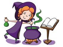 De leuke heks kookt een drankje Stock Foto