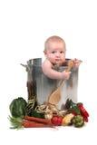 De leuke Jongen van de Zuigeling van de Baby in een Steun van de Pot van de Chef-kok royalty-vrije stock afbeeldingen