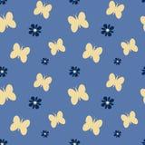 De leuke mooie vlinders met madeliefje bloeit naadloze patroonillustratie als achtergrond vector illustratie