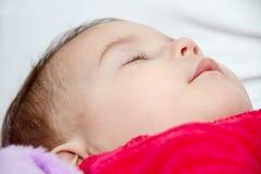 De leuke slaap van het babymeisje Stock Foto