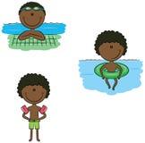 De leuke vector Afrikaans-Amerikaanse zwemmersjongens in verschillende sport zitten Royalty-vrije Stock Fotografie