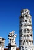 De leunende toren van Pisa, Italië royalty-vrije stock afbeelding