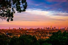 De Levendige Kleuren van groengordelaustin city skyline golden hour stock foto's