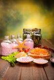 De levering van het kuuroord - aromatherapy badzout Stock Foto's