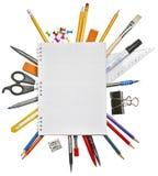 De levering van het notitieboekje en van het bureau Stock Foto's