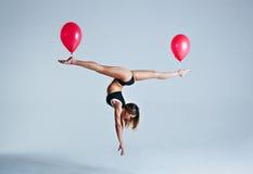 De levitatie van de vrouwenballon Stock Afbeelding