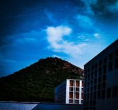 De lichte donkere hemel stock fotografie