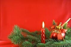 De lichte en rode snuisterij van Kerstmis royalty-vrije stock afbeelding