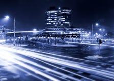 De lichte slepen op het moderne gebouw Stock Afbeelding