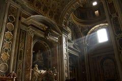 De lichte stralen van Vatikaan Stock Foto's