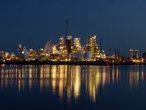 De lichten van de raffinaderij Royalty-vrije Stock Foto's