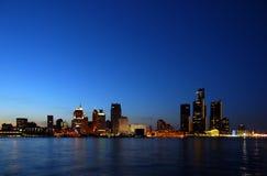 De lichten van de stad bij nacht royalty-vrije stock afbeeldingen