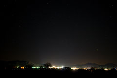 De lichten van de stad bij nacht Stock Foto's