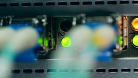 De lichten van de groeven knipperen in dichte omhooggaand stock video