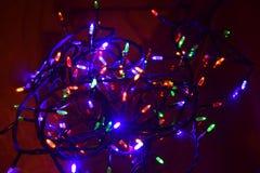 De Lichten van Kerstmis Het gloeien Lichten Slingers, Kerstmisdecoratie Geleide lamp stock foto
