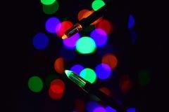 De Lichten van Kerstmis Het gloeien Lichten Slingers, Kerstmisdecoratie Geleide lamp royalty-vrije stock foto
