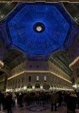 De lichten van Kerstmis in Milaan stock foto