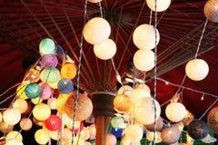De lichten van de pingpongbal zijn kleurrijk en kleurrijk, als decoratie van een winkel of een mooi huis royalty-vrije stock foto's