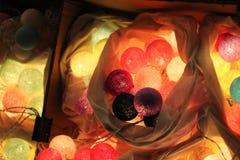 De lichten van de pingpongbal zijn kleurrijk en kleurrijk, als decoratie van een winkel of een mooi huis royalty-vrije stock fotografie