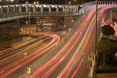 De lichten van de verkeersstroom op de weg royalty-vrije stock afbeelding