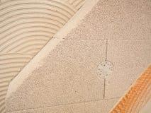 De lichtgewicht Cellulaire Concrete blokken van het schuimcement bij bouwkader stock afbeelding