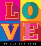 De liefde is allen u de vlakke affiche van het ontwerppop-art nodig hebt Stock Afbeeldingen