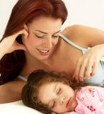 De liefde van de moeder. royalty-vrije stock afbeelding