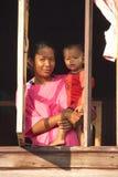 De Liefde van een Moeder royalty-vrije stock fotografie