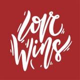 De liefde wint uitdrukking hand het getrokken van letters voorzien Vectordieillustratie op rode achtergrond wordt geïsoleerd stock illustratie