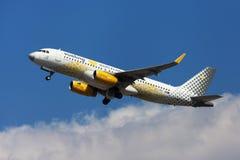 De Liefdes Barcelona van Vueling van de Vuelingsluchtbus A320 royalty-vrije stock foto's
