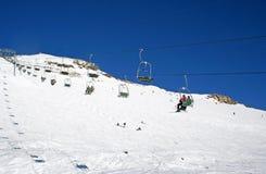 De lift van de stoel in volledige zon Stock Foto's