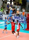 De Liga van de Wereld van het volleyball: Italië versus Cuba Royalty-vrije Stock Foto