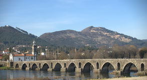 de liggande lima ponte portugal royaltyfri bild