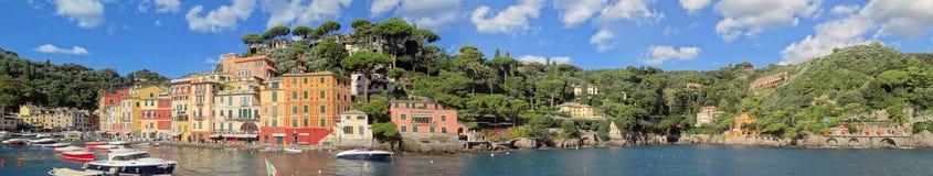 De Ligurian kustlijn die Portofino naderen stock afbeeldingen