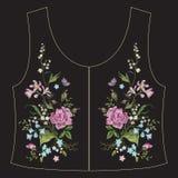 De lijn bloemenpatroon van de borduurwerk etnisch hals met rozen en boter Stock Foto's