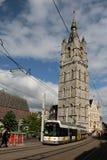 De Lijn Tram en la furgoneta Gante, Bélgica del Het Belfort Imagen de archivo