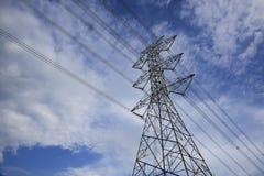 De lijn van de mast elektromacht Royalty-vrije Stock Foto's