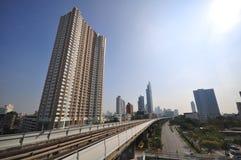 De lijn van Thailnd BTS met de bouw, zeer schoon stadsSc Royalty-vrije Stock Foto's