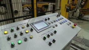 De lijn van de walsen van metaalverwerking bij de fabriek stock footage