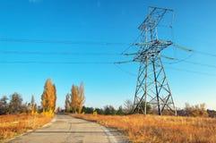 De lijnen van de elektriciteitstransmissie Stock Fotografie