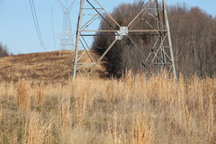 De Lijnen van de macht op een gebied Stock Foto