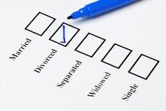 De Lijst van de huwelijksstaatcontrole. Gescheiden stock afbeeldingen