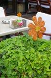 De lijst van de koffie met bloemdecoratie Stock Foto
